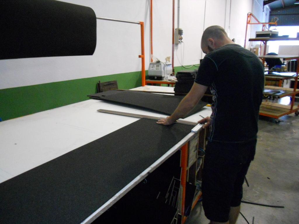 Fabrication Flight case : préparation découpe mousse intérieure