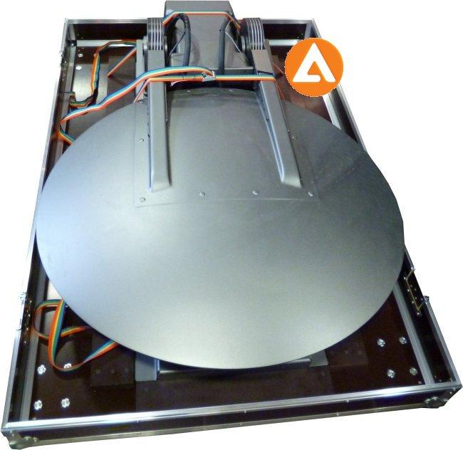 flight case : pour antennes satellites