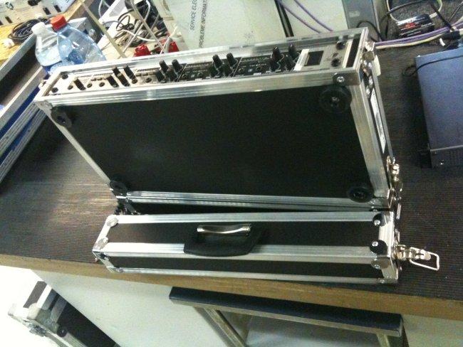 flight case : rack pour système HF
